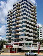 Beachfront Towers - Accommodation Mermaid Beach