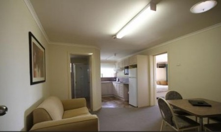 Araluen Motor Lodge - Accommodation Mermaid Beach