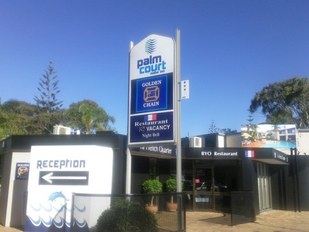 Palm Court Motor Inn - Accommodation Mermaid Beach