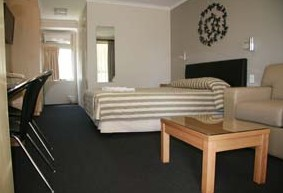 Queensgate Motel - Accommodation Mermaid Beach