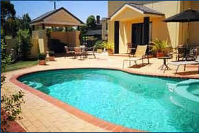 Hopkins House Motel  Apartments - Accommodation Mermaid Beach