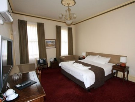 Glenferrie Hotel - Accommodation Mermaid Beach