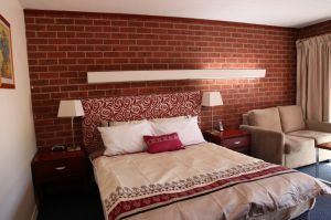 Carnegie Motor Inn and Serviced Apartments - Accommodation Mermaid Beach