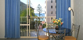 Surf Dance Holiday Units - Accommodation Mermaid Beach