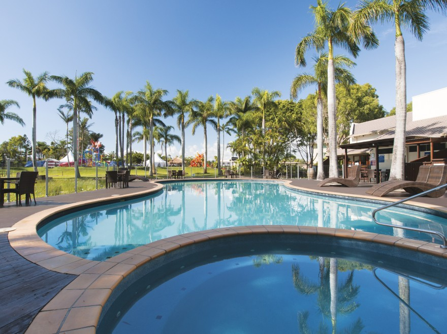 Oaks Oasis - Accommodation Mermaid Beach