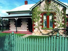 Naracoorte Cottages - Smith Street Villa - Accommodation Mermaid Beach