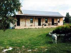 Mt Dutton Bay Woolshed Heritage Cottage - Accommodation Mermaid Beach