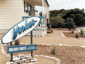 Yorke's Holiday Units - Accommodation Mermaid Beach