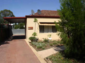 Loxton Smiffy's Bed And Breakfast Sadlier Street - Accommodation Mermaid Beach