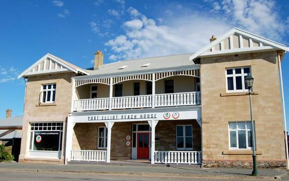 Port Elliot Beach House YHA - Accommodation Mermaid Beach