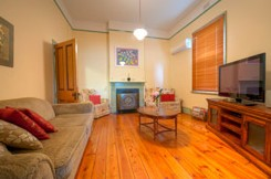 Semaphore Beach Cottage Bed and Breakfast - Accommodation Mermaid Beach