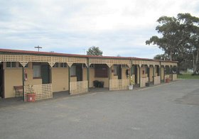 Central Court Motel - Accommodation Mermaid Beach