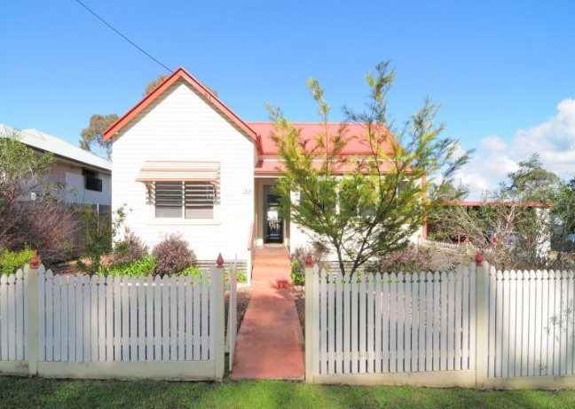 Diamond Cottages - Accommodation Mermaid Beach