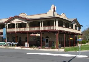 The Royal Hotel Adelong - Accommodation Mermaid Beach