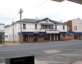 Globe Hotel Bombala - Accommodation Mermaid Beach