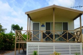 Belmont Pines Lakeside Holiday Park - Accommodation Mermaid Beach