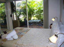 Alexander Lakeside Bed and Breakfast - Accommodation Mermaid Beach