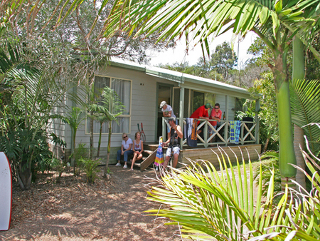 One Mile Beach Holiday Park - Accommodation Mermaid Beach