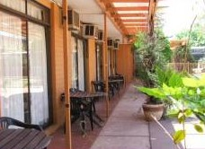 Desert Rose Inn - Accommodation Mermaid Beach