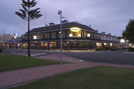 Grand Tasman Hotel - Accommodation Mermaid Beach
