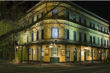 The Royal Exhibition Hotel - Accommodation Mermaid Beach