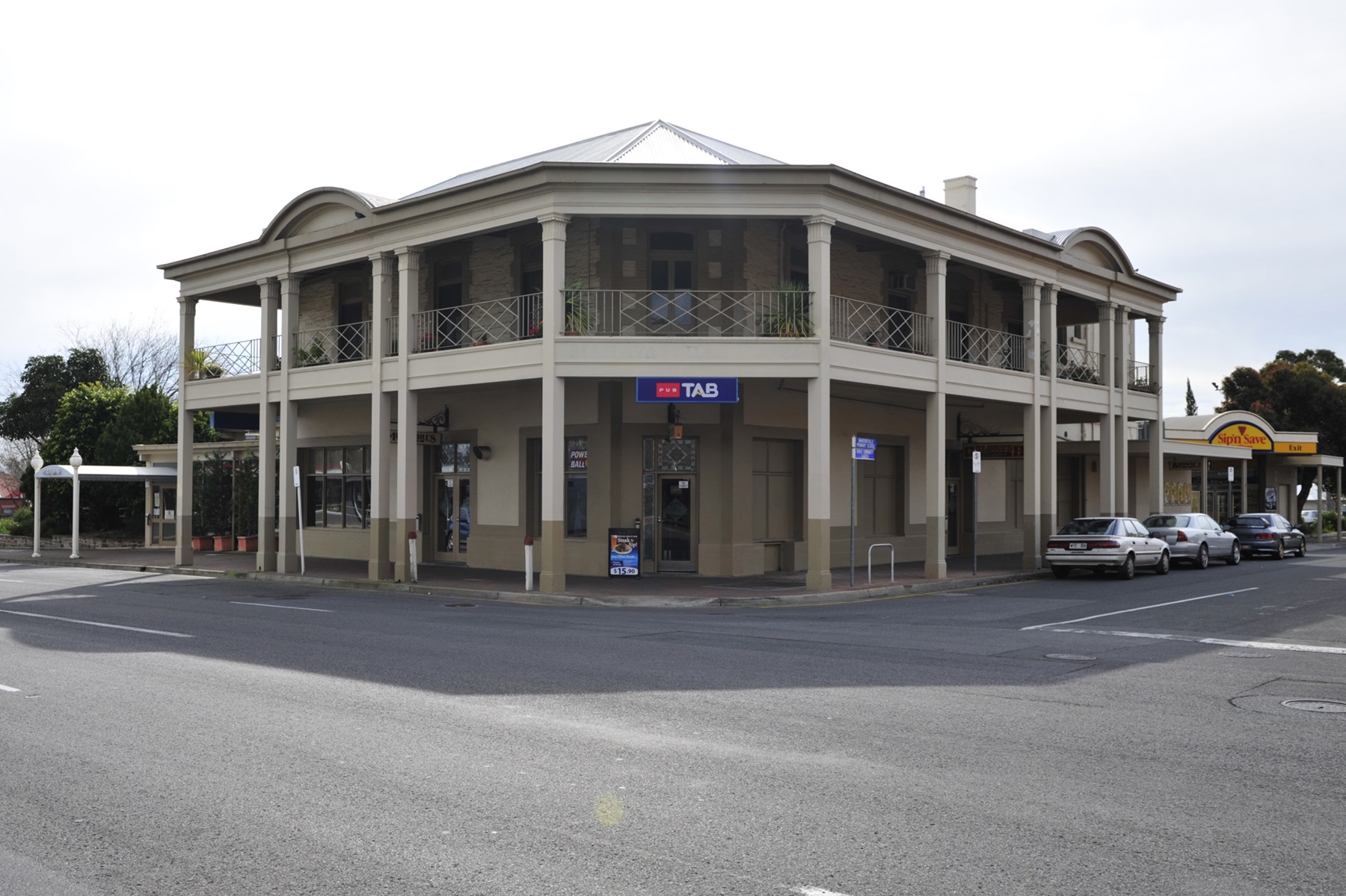 Marryatville Hotel - Accommodation Mermaid Beach