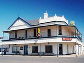 Seabreeze Hotel - Accommodation Mermaid Beach