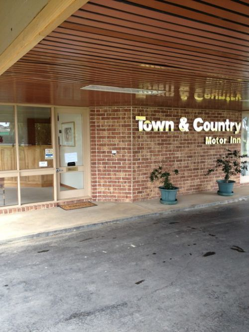 Town amp Country Motor Inn Forbes - Accommodation Mermaid Beach