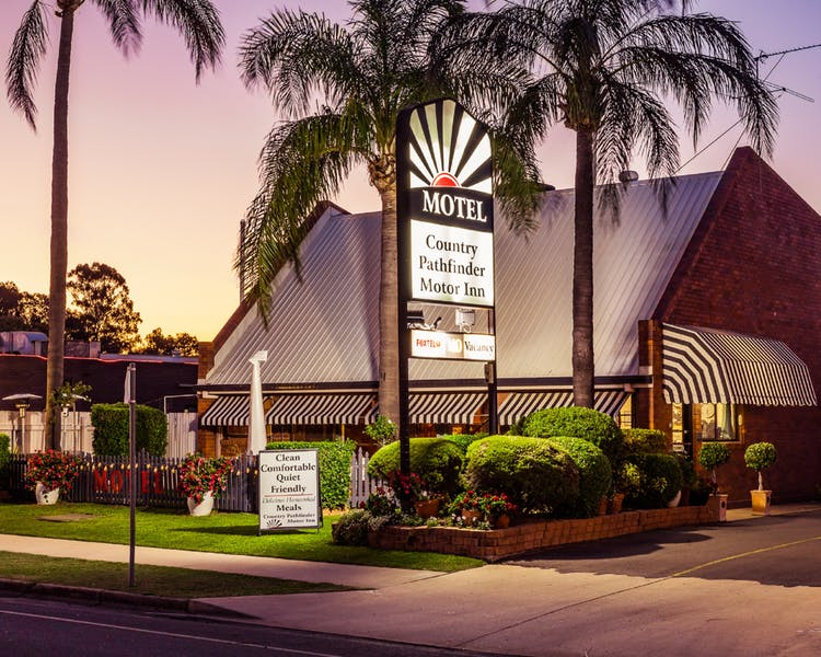 Country Pathfinder Motor Inn - Accommodation Mermaid Beach