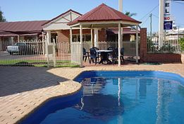 Roma Mid Town Motor Inn - Accommodation Mermaid Beach