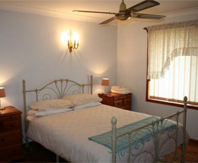 Caits Cottage Bed And Breakfast - Accommodation Mermaid Beach