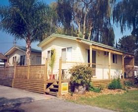 Riviera Caravan Park - Accommodation Mermaid Beach