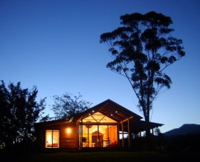 Promised Land Cottages - Accommodation Mermaid Beach