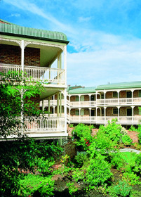 Medina Serviced Apartments Canberra - Accommodation Mermaid Beach
