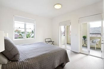 Albert Road Serviced Apartments - Accommodation Mermaid Beach
