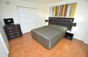 Balmain 3 Mont Furnished Apartment - Accommodation Mermaid Beach