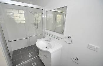 Balmain 4 Mont Furnished Apartment - Accommodation Mermaid Beach