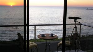 Clifftop Accommodation Portland Victoria - Accommodation Mermaid Beach