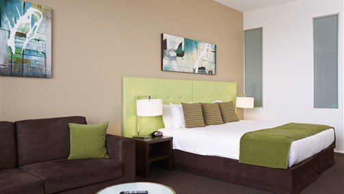 Mercure Melbourne Caroline Springs - Accommodation Mermaid Beach