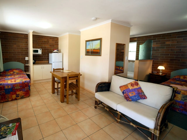 Rubyvale Motel  Holiday Units - Accommodation Mermaid Beach