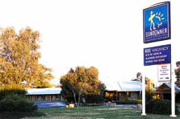 Swaggers Motor Inn  Restaurant - Accommodation Mermaid Beach