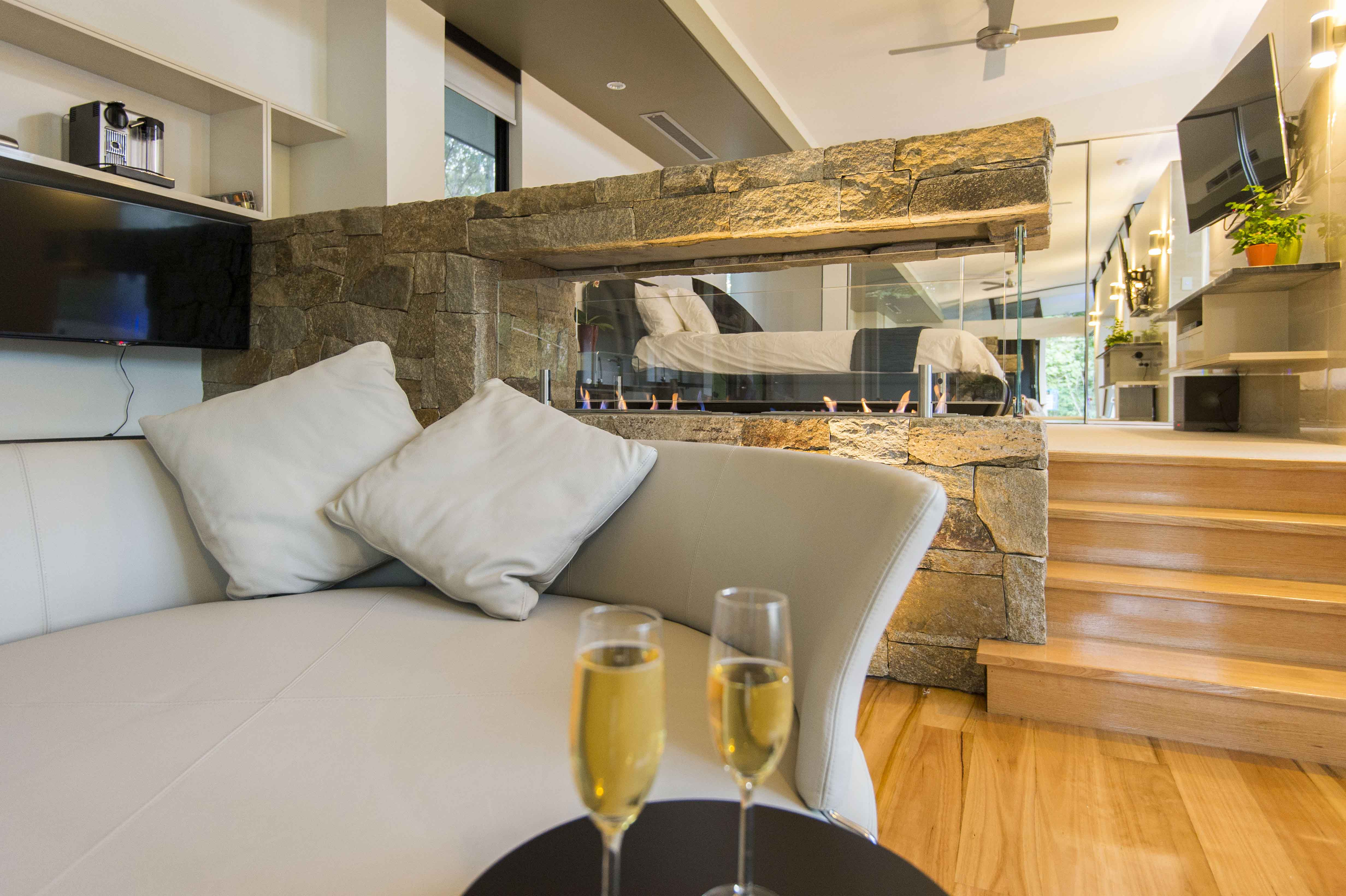 The Feathered Nest - Luxury Wildlife Retreat - Accommodation Mermaid Beach