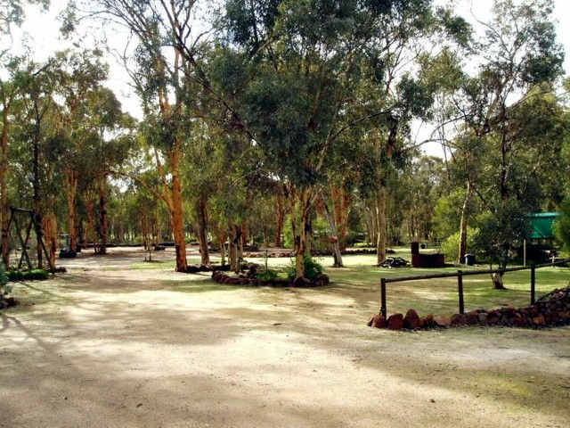 Toodyay Holiday Park  Chalets - Accommodation Mermaid Beach