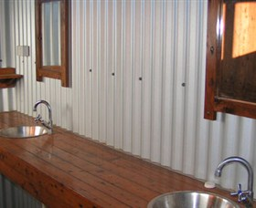 Daly River Barra Resort - Accommodation Mermaid Beach
