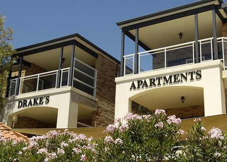 Drakes Apartments with Cars - Accommodation Mermaid Beach