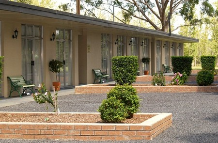 All Seasons Country Lodge - Accommodation Mermaid Beach