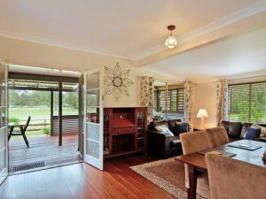 Woollamia Farm Cottage Accommodation - Accommodation Mermaid Beach