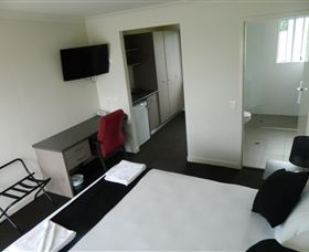 Dooleys Tavern and Motel Springsure - Accommodation Mermaid Beach