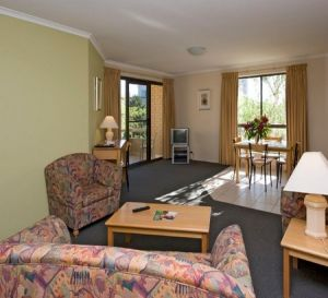 Kingston Court Serviced Apartments - Accommodation Mermaid Beach
