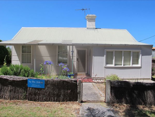 Holly's Holiday Home - Accommodation Mermaid Beach